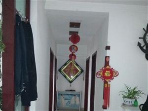 锦湖小区月租750带家具带车库房子干净整
