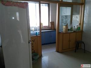 广场馨园3室2厅1卫708元/月