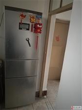出售9成新冰箱1台