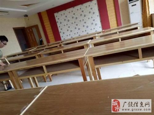 龙8国际娱乐官方网:学生用桌椅板凳,双人桌,单人桌