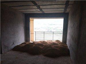 新公安局住宅区3室2厅2卫31万元