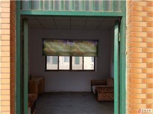 育才幼儿园后排路东第三户1室1厅1卫500元/月