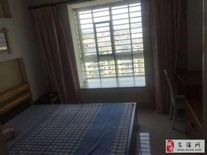 龙湖山庄3室2厅2卫2500元/月
