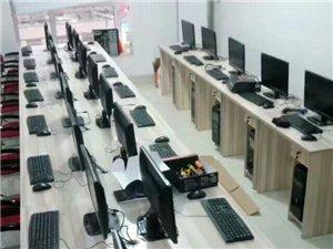 出售i3台式机15台带键盘 鼠标 耳麦 电脑桌 椅