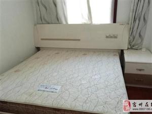 出售1.8米*2米大床加床垫