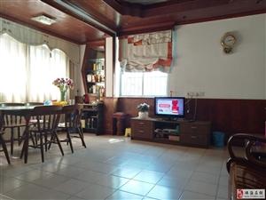 拱北海滨楼3室2厅1卫3000元/月