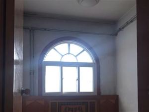 西苑小区5楼房子干净整洁带储藏室·家具3室2厅1卫
