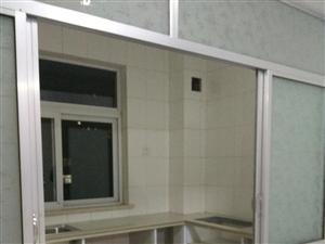 康居花园5楼带车库带阁楼,铺地暖新装未住