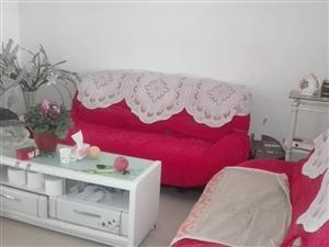阳光花园3楼2室2厅90平精装带家具