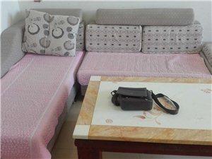 时尚男女居住创业购物天堂、全套全新高端一流的家具