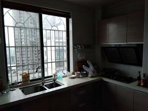华城房产:金谷花园电梯楼中楼精装房出售!