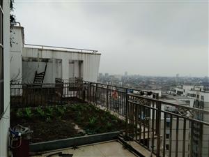 华城房产:金谷花园精装电梯房出售!