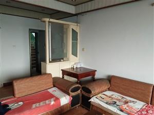 华城房产:岳圣巷附近4室2厅2卫27.8万元