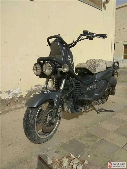 有一酷跑摩托车低价出售