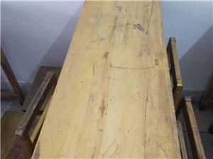 出售学生双人实木桌椅