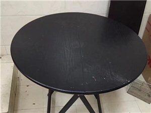 折叠桌子圆形,基本全新120元,自取