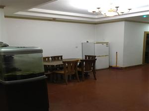 南海城天龙大酒店背后烟厂小区4室2厅2卫 1000元/月
