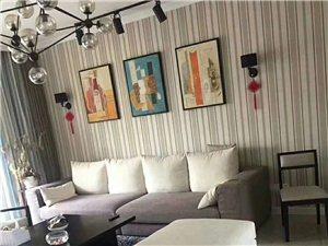 山台山豪装大三房装修入住半年出售喊价88.8万元
