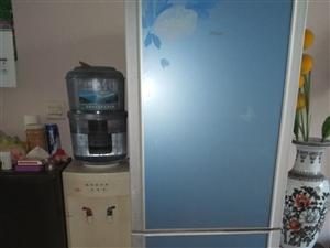 低价出售海尔双面冰箱一台