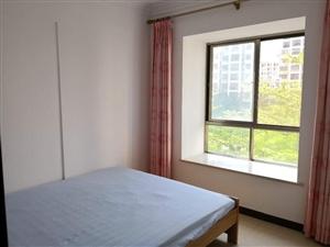 花半里3室2厅2卫2500元/月