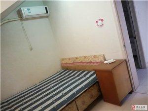 048工商北院3室2厅1卫1600元/月