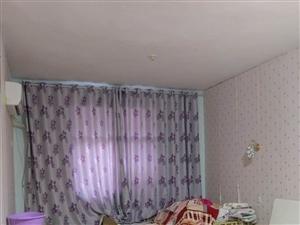 港口路御花园对面3室1厅1卫1200元/月