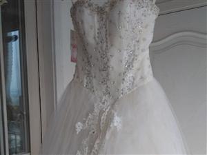 低价处理全新婚纱