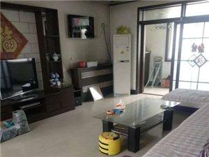 阳光公寓大三居精装修顶层有天台1000元出租