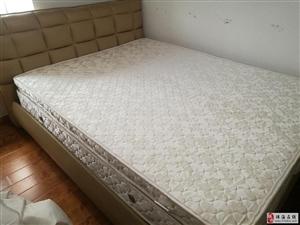出售8成新床及床垫