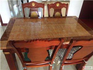 出售99成新餐桌