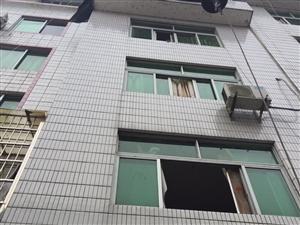 丹桂山水门口4层带店面自建房6室2厅4卫125万元