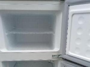 九成新双门冰箱