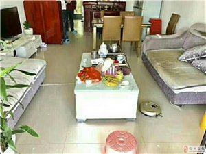 壹品翡翠湾13楼3房2厅2卫高档装修仅售83.8万