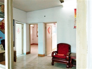 城关镇法院小区3室1厅1卫16.8万元