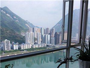 天豪大厦正临江,3卧室看江,4室72万元