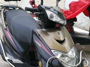 雅马哈125踏板摩托车.车况极好.可过户