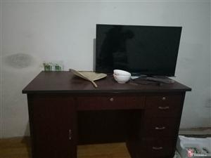 出售九成新办公桌