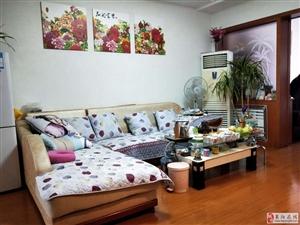 龙门山庄3室2厅1卫83.8万元精装车库
