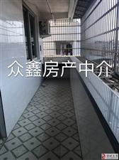 城西车站出口附近,楼梯房5楼,面积140平,3房
