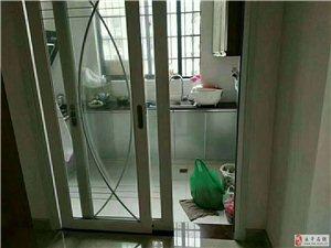 水岸兰庭电梯楼精装4室2厅2卫99万元