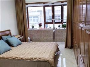 市中心好位置儒林小区三居室85平实木精装地暖
