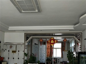石油小区3室2厅2卫160平,豪华精装,业主急售