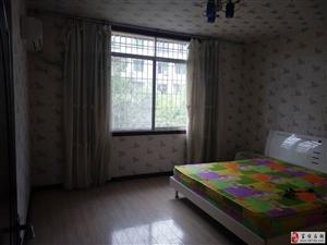 达和苑3室2厅1卫交通便利