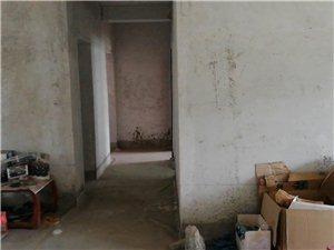 五中东国税局家属院3室2厅1卫32万元