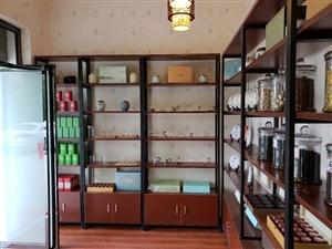 出售九成新榆木家具:书架、储物架、书桌、茶几沙发