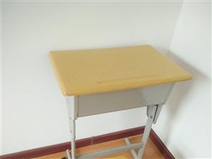 9成新桌椅板凳50套
