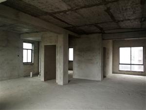 华府山庄4楼毛坯3室2厅2卫47.8万元