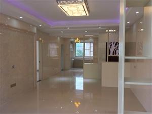 绿景现代城4楼精装2室2厅1卫39.8万元