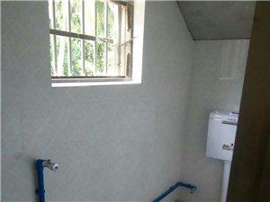 1室1厅2卫5000元/月