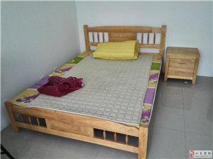 新床、床头柜、床垫